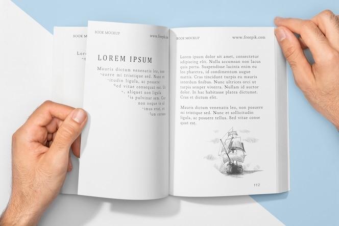 Vista superior com maquete de livro