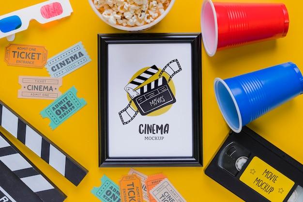 Vista superior conceito de cinema com bilhetes