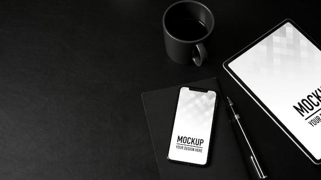 Vista superior da maquete de smartphone e tablet