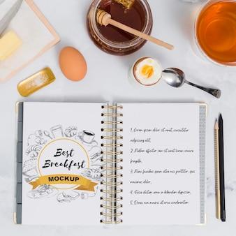 Vista superior da maquete do conceito de café da manhã