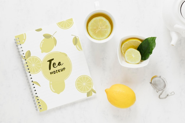 Vista superior da xícara de chá na mesa