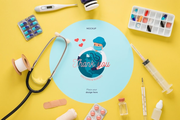 Vista superior de ferramentas médicas com maquete