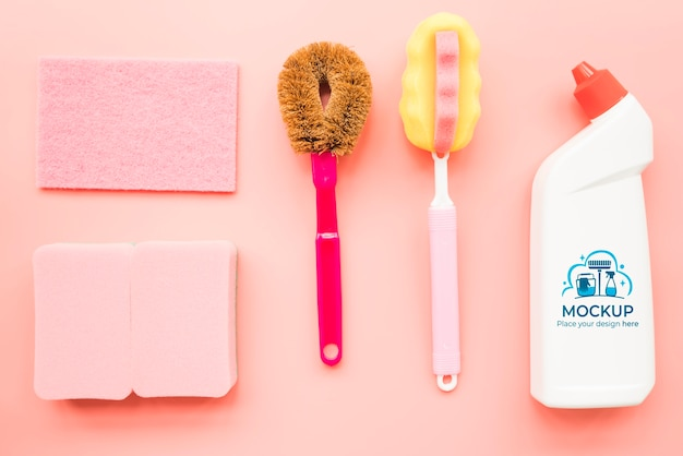 Vista superior disposição dos produtos de limpeza