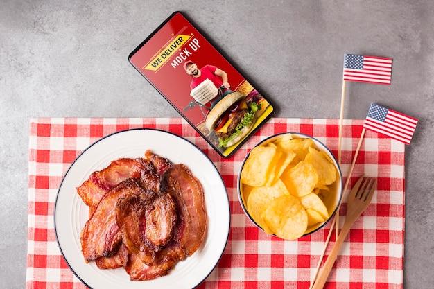 Vista superior do arranjo americano de carne e batatas fritas