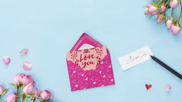 Vista superior do modelo de cartão de dia dos namorados