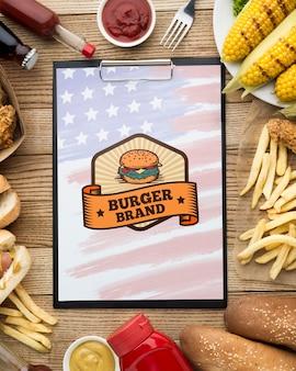 Vista superior do modelo de comida americana deliciosa