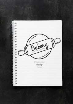 Vista superior do notebook para padaria