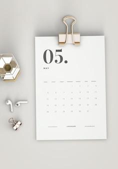 Vista superior minimalista mockup calendário de transferência