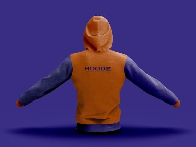 Vista traseira do modelo com capuz