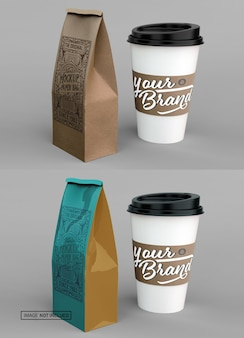 Xícara de café e maquete de saco de papel