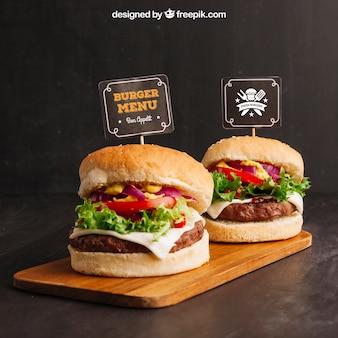 Mockup di cibo veloce con due hamburger