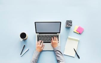 Arbeitsbereich mit Computer