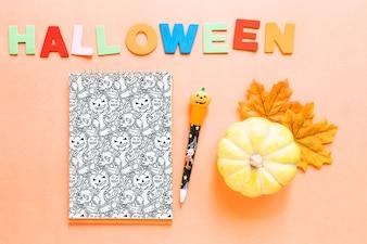 Halloween-Bucheinbandmodell mit Kürbis