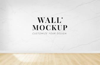 Leerer Raum mit einem weißen Wandmodell