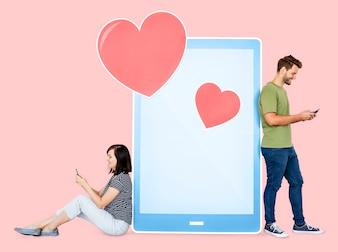 Liebevolle Mitteilung der Paare miteinander