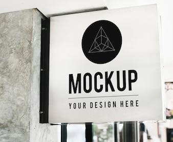Minimales Shopzeichenmodell mit geometrischem Design