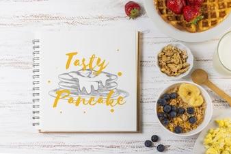 Notebook-Modell mit Frühstückskonzept