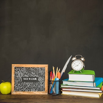 Schiefermodell mit zurück zu Schulkonzept