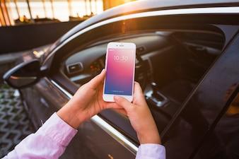 Smartphone-Modell mit Autokonzept