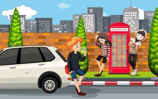 Adolescent urbain en ville