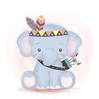 Adorable bébé éléphant à la mode tribale