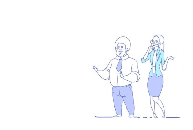 Affaires couple remue-méninges homme femme collègues communication