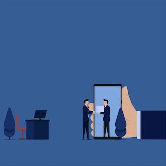 Affaires prendre pile de papiers de l'homme d'affaires sur la métaphore téléphonique du travail à distance.