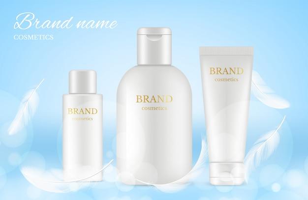 Affiche d'annonces cosmétiques. bannière avec des tubes de crème réalistes, des bouteilles, des plumes