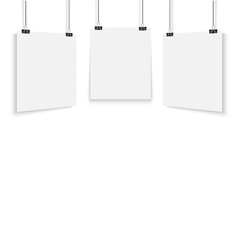 Affiche blanche suspendue avec classeur.