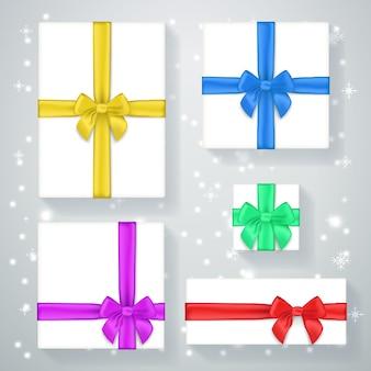Affiche de boîte-cadeau de nouvel an. présent pour les vacances, noël et arc, célébration et salutation, illustration vectorielle de ruban