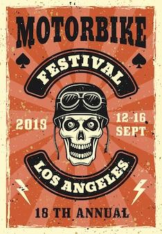 Affiche du festival de moto avec crâne dans un casque de motard