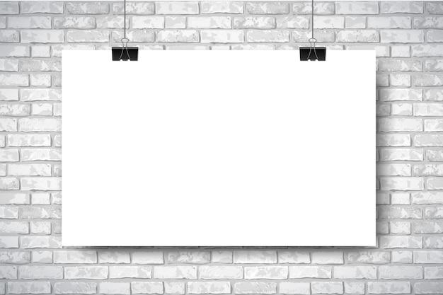 Affiche horizontale blanche vide sur fond de mur de brique blanche.