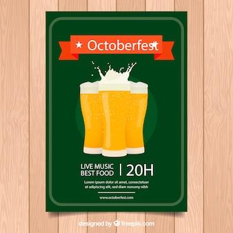 Affiche d'oktoberfest avec des verres de bière