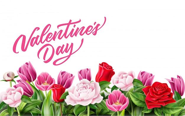 Affiche de la saint valentin avec rose réaliste, pivoine, tulipe, fleurs avec fond de feuilles