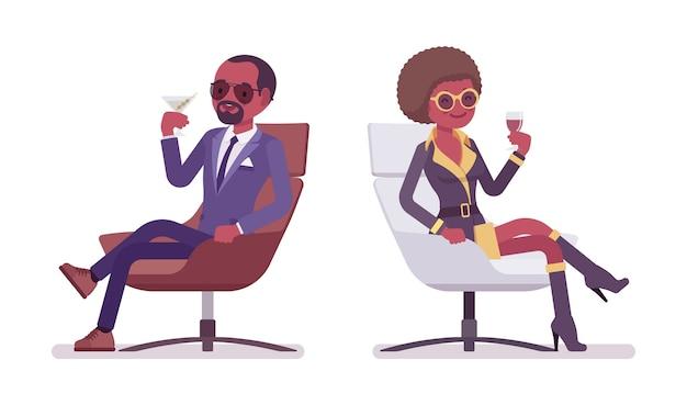 Agent secret homme et femme relaxant
