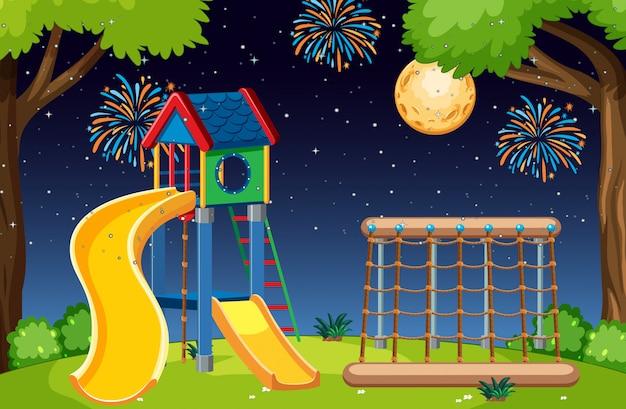 Aire de jeux pour enfants dans le parc avec grande lune et feux d'artifice dans le ciel la nuit style cartoon