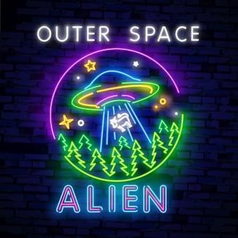 Alien, enseigne au néon de l'espace