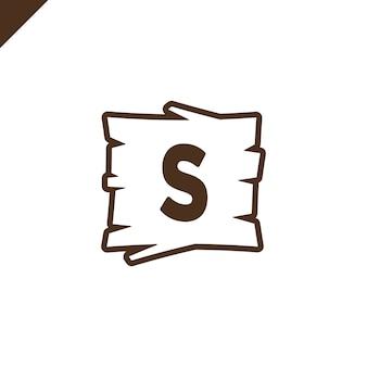 Alphabet en bois ou blocs de polices avec lettre s dans la zone de texture bois avec contour.