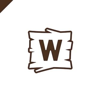 Alphabet en bois ou blocs de polices avec lettre w dans la zone de texture bois avec contour.