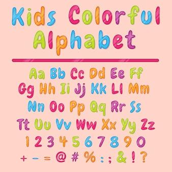 Alphabet et chiffres de dessins animés latins colorés modèle de lettres et de chiffres lumineux pour la décoration et la création de panneaux d'affichage conception de polices pour les enfants vecteur