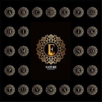 Alphabet initial de collection avec cadre floral d'ornement de luxe