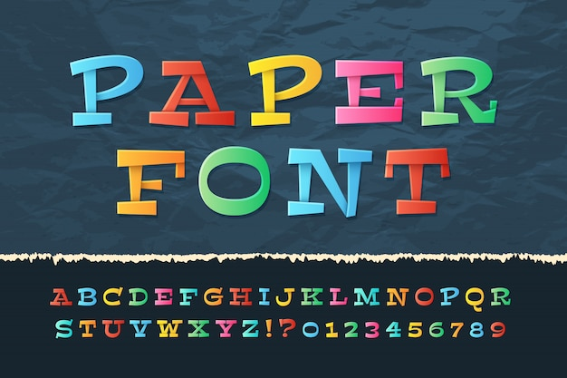 Alphabet de papier de couleur. police de vacances de dessin animé drôle. lettres et chiffres pour écoliers