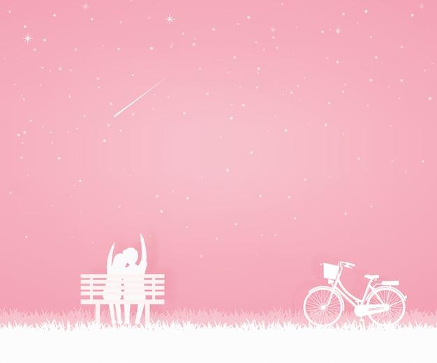 Amant viens au jardin avec vélo et asseyez-vous sur la chaise