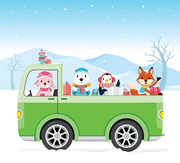 Animaux heureux sur ramasser conduite pour voyager, neige qui tombe, saison d'hiver