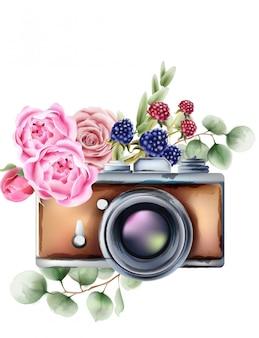 Appareil photo de style rétro avec des fleurs roses et des ornements de baies