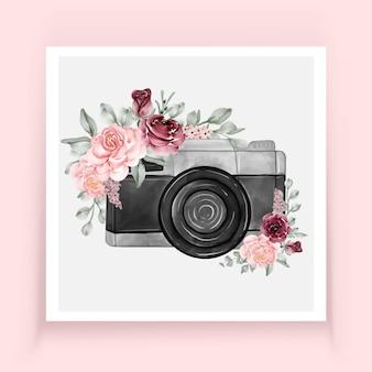 Aquarelle d'appareil photo avec des fleurs rose bourgogne
