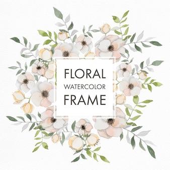 Aquarelle cadre floral avec des fleurs pastel