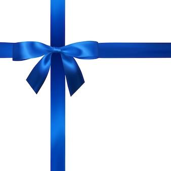 Arc bleu réaliste avec des rubans bleus isolés sur blanc. élément pour cadeaux de décoration, salutations, vacances.
