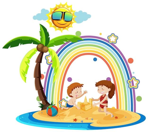 Arc-en-ciel sur l'île avec des enfants construisant un château de sable
