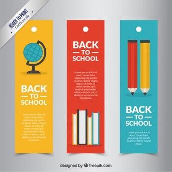 Arrière colorée aux bannières scolaires pack